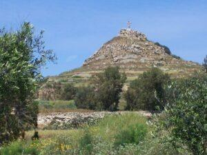 Gozo Insel mit drei Bergen