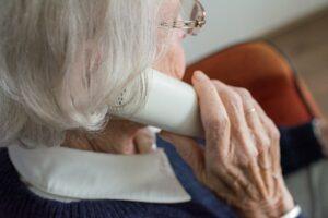 Senioren müssen zu Hause bleiben
